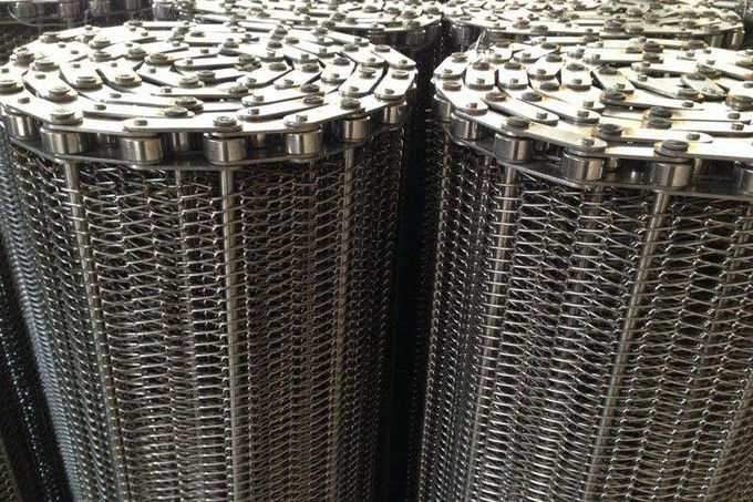 Precise Plate Chain Conveyor Belt Durable Knuckled Selvedge 10.0mm Thick
